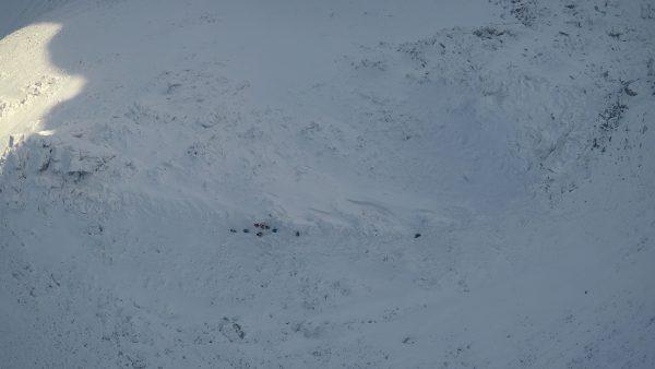 Fiacaill Ridge scrambling in Winter