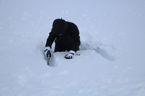 Winter skills digging pit