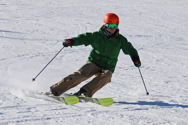 learn to ski with ski lessons in Scotland
