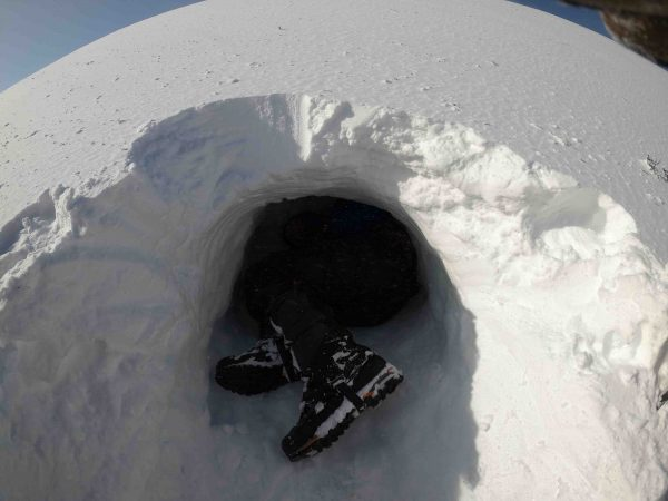 Winter-skills-in-scotland-emergency-shelter