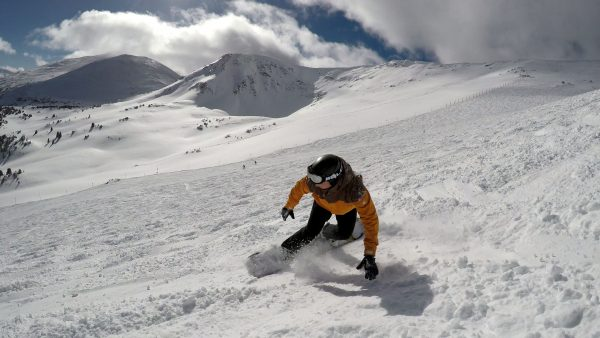Active Outdoor Pursuits Snowboarding lesson