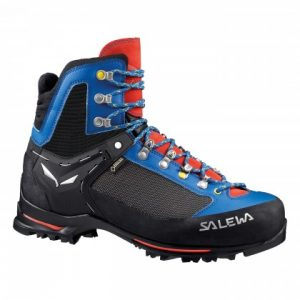 mountaineering boot rental in aviemore