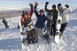 A GROUP OF SNOWBOARDERS AT THE GLENCOE MOUNTAIN  RESORT, HIGHLAND. PIC: PAUL TOMKINS/VisitScotland
