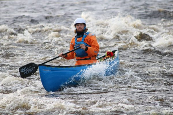river canoeing on the spey 2