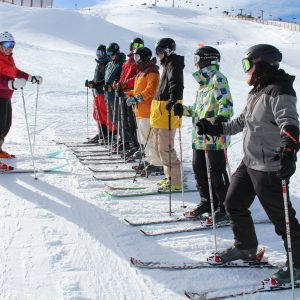 outdoor instructor training skiing