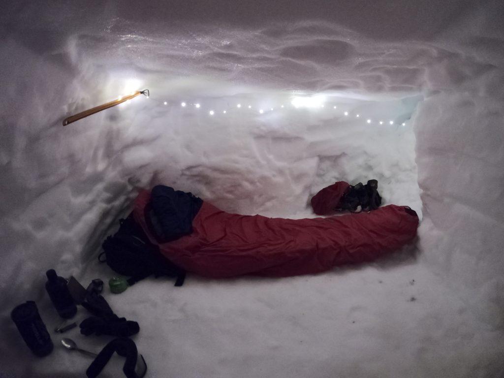 Snowhole sleeping time